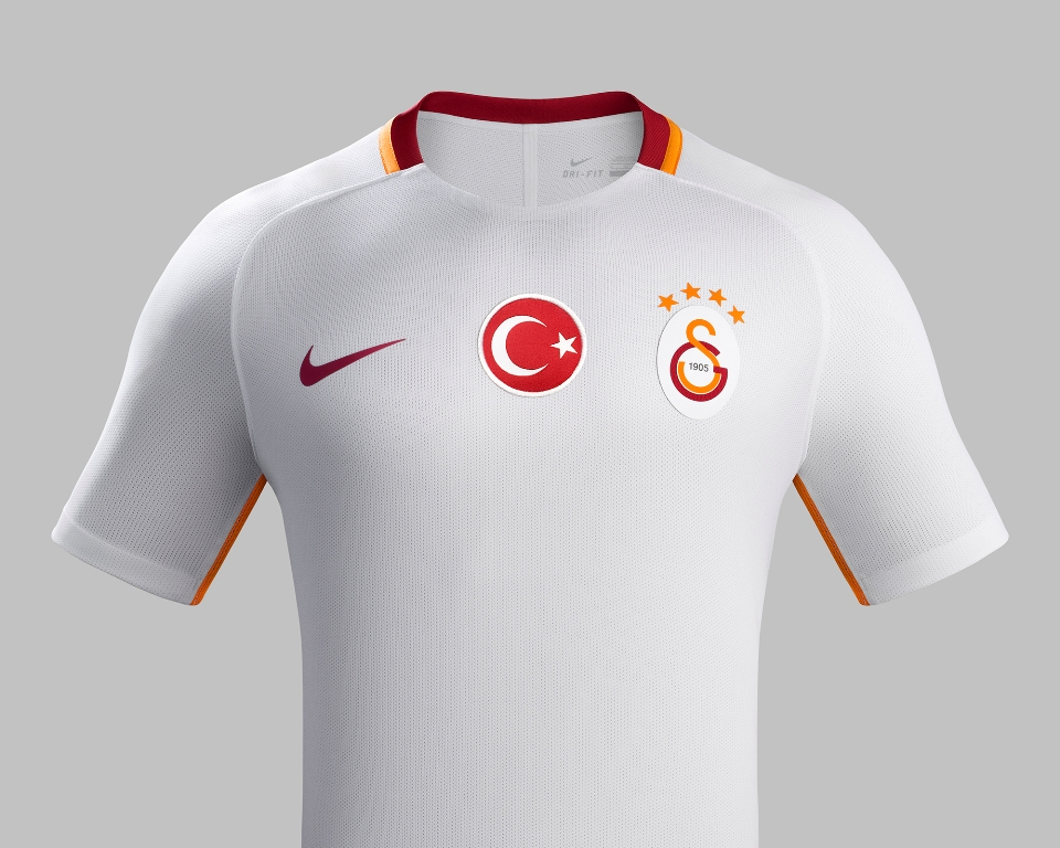 1469776207_su16_ck_comms_a_front_promo_galatasaray_r-002.jpg