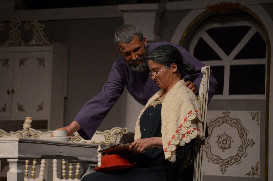5.-dilek-sabanci-tiyatro-festivali-'vanya-dayi'-ile-basladi-(3).jpg