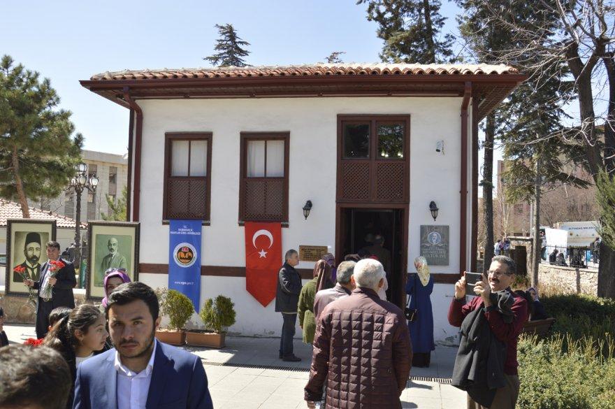 mehmet-Âkif-kultur-evi-1.jpg